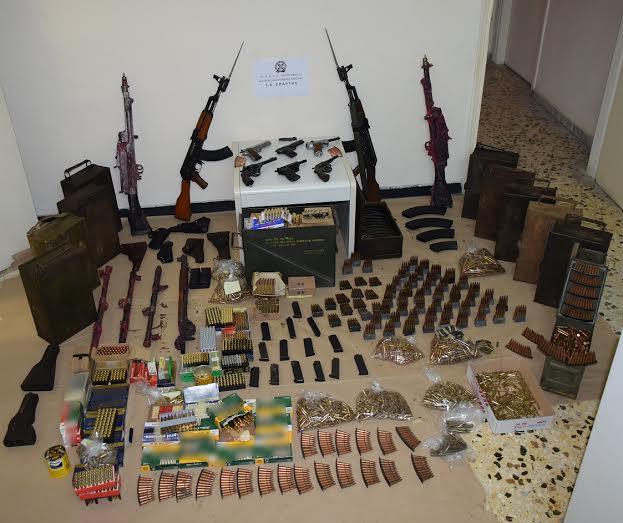 Βρέθηκε βαρύς οπλισμός στην Αρεόπολη… Καλάσνικοφ και πολλά ακόμα όπλα..